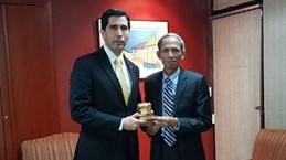 进一步加强越南与巴拉圭的合作