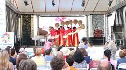 越南文化特色亮相斯洛伐克亚首都布拉迪斯拉发
