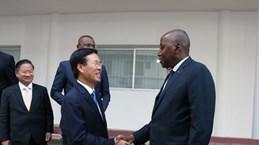 越共中央宣教部部长武文赏会见科特迪瓦总理和国家勋位委员会主席