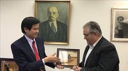 进一步加强越南共产党与希腊共产党的关系