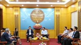 韩国统营市工商会领导赴越南宁平省寻找商机