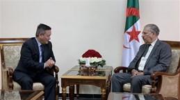 阿尔及利亚民族院议长希望加强同越南的合作关系