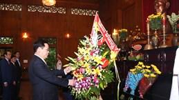 政府副总理王廷惠前往乂安省上香缅怀胡志明主席