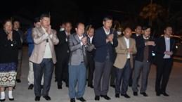 将在老挝牺牲的14名越南专家和志愿者的遗骸送回国安葬