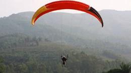 滑翔伞:高空运动爱好者的游戏(组图)
