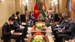 第76届联合国大会:越南外长裴青山在会议间隙会见多国外长