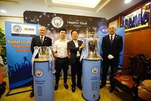 曼彻斯特城俱乐部在越南举行英格兰足球联盟杯游行活动(组图)