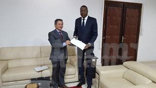 越南与塞内加尔加强经贸合作