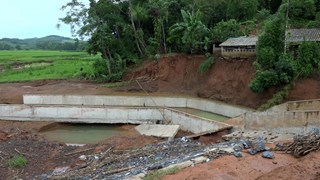 越南多措并举开展洪灾灾后重建工作