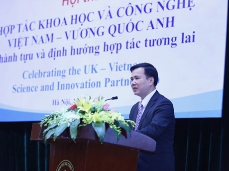 英国承诺优先同越南合作发展科学技术