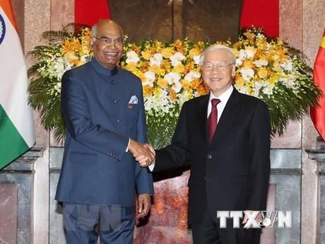 阮富仲与印度总统科温德会见国内外记者