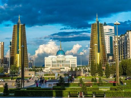 介绍哈萨克斯坦大自然之美图片展今日开展