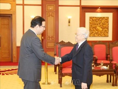 越共中央总书记、国家主席阮富仲会见日本共产党代表团