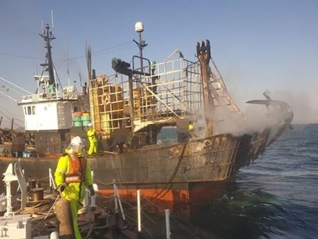 韩国渔船起火酿两名越南籍船员一死一伤 一名中国籍船员失踪