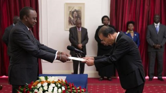 肯亚尼希望加大与越南的合作力度