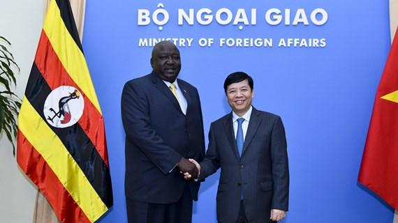 乌干达外交部国务部长奥凯洛对越南进行正式访问