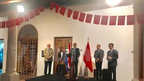 巴拉圭越南日活动亮相 庆祝越巴建交25周年