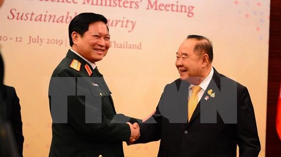 吴春历出席东盟防长非正式会议和第六届东盟防长扩大会议