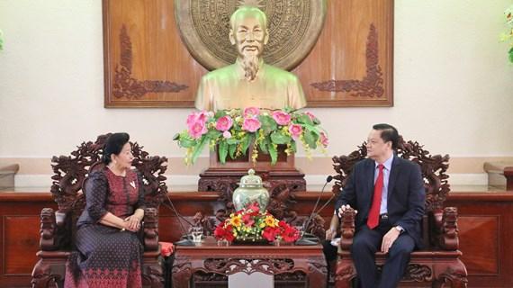 越南芹苴市与柬埔寨加强文化艺术领域交流与合作