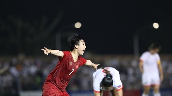 第30届东南亚运动会:越南女足在决赛中对阵泰国女足