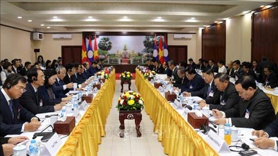张和平副总理访问老挝 与老挝副总理会谈