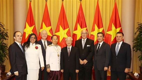 越共中央总书记、国家主席阮富仲会见外国新任驻越大使