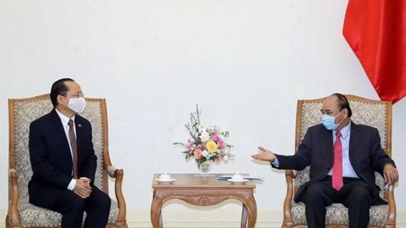 越南政府总理阮春福会见柬埔寨驻越大使Chay Navuth
