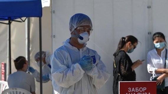 越南向哈萨克斯坦赠送医疗用品以抗击新冠肺炎疫情