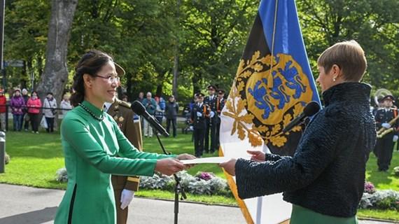 爱沙尼亚总统相信与越南的友好关系将继续向前发展
