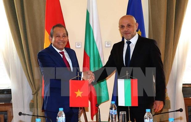 越南与保加利亚建交70周年:越南与保加利亚的关系日益深广且有效发展 hinh anh 1