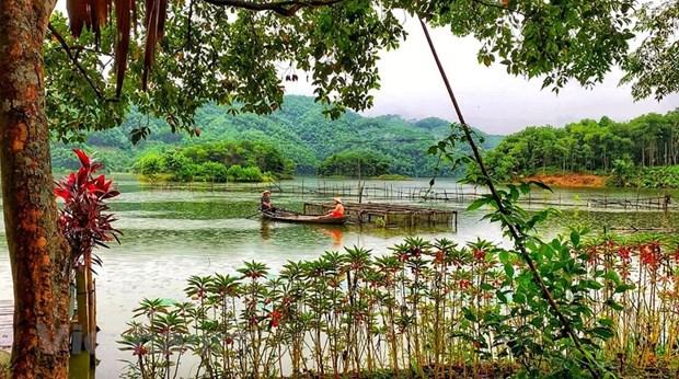 组图:在富寿省的云会泻湖游玩 hinh anh 6