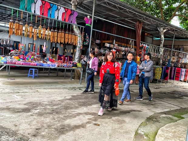 组图:和平省梅州县乐村游客到访量呈回升态势 hinh anh 1