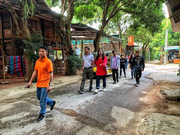 组图:和平省梅州县乐村游客到访量呈回升态势 hinh anh 3