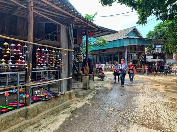 组图:和平省梅州县乐村游客到访量呈回升态势 hinh anh 5