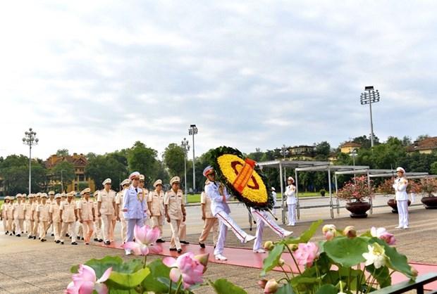 组图:胡志明主席诞辰130周年庆典在河内隆重举行 hinh anh 1