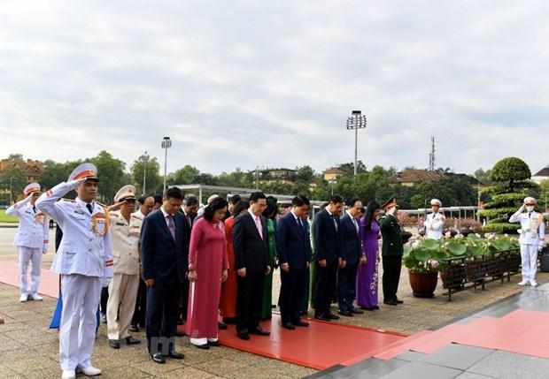 组图:胡志明主席诞辰130周年庆典在河内隆重举行 hinh anh 4