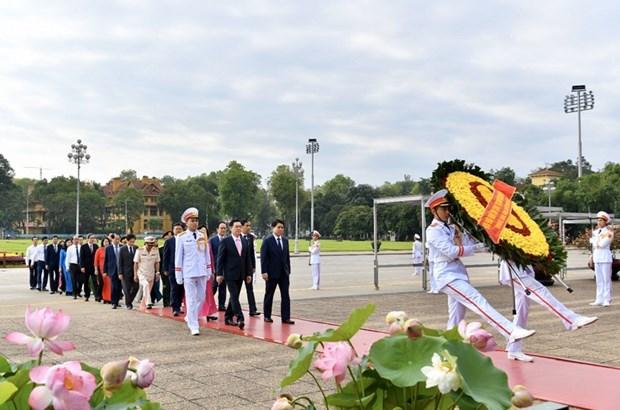 组图:胡志明主席诞辰130周年庆典在河内隆重举行 hinh anh 6