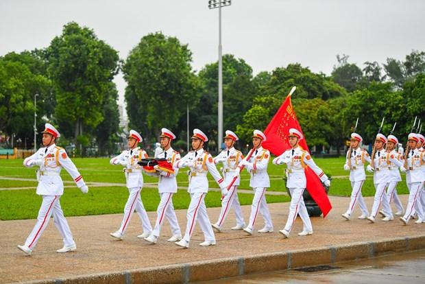 组图:越南举行降半旗仪式 对原越共中央总书记黎可漂致哀 hinh anh 2