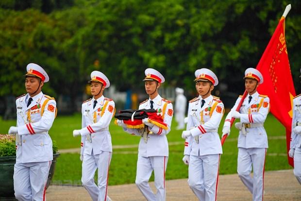 组图:越南举行降半旗仪式 对原越共中央总书记黎可漂致哀 hinh anh 3
