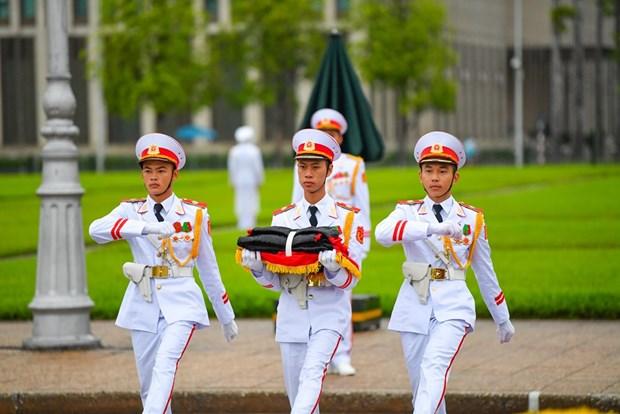 组图:越南举行降半旗仪式 对原越共中央总书记黎可漂致哀 hinh anh 4