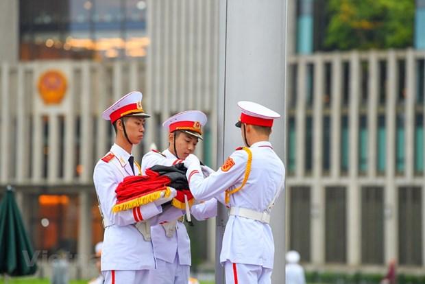 组图:越南举行降半旗仪式 对原越共中央总书记黎可漂致哀 hinh anh 5