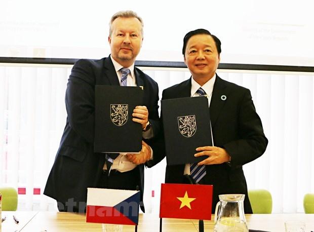 越南与捷克加强环保领域的合作 hinh anh 1
