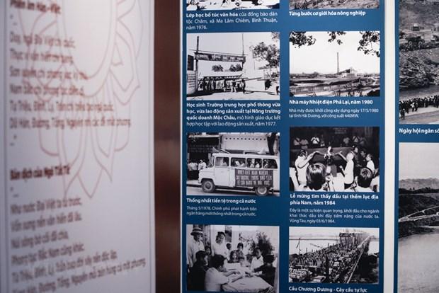 组图:越南特殊摄影展颇受观众的青睐 hinh anh 8