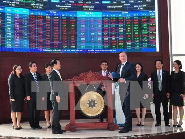 英国首相卡梅伦出席在胡志明市证券交易所系列投资促进活动 hinh anh 1