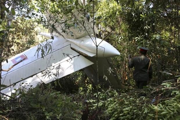 阮晋勇总理就老挝军用直升机失事致电老挝总理致慰问电 hinh anh 1