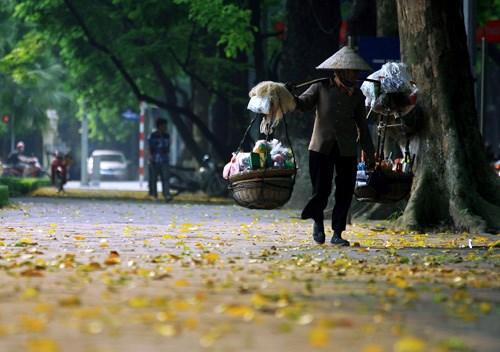 越南河内和那些沿街叫卖小贩 hinh anh 2