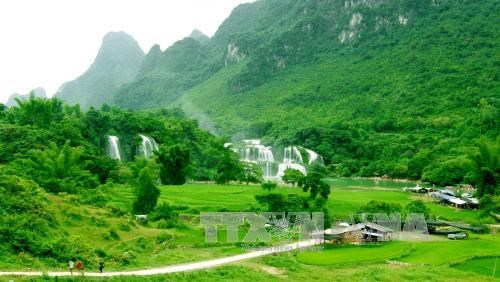 越中《板约瀑布地区旅游资源共同发展和保护协定》第四轮谈判在北京举行 hinh anh 1