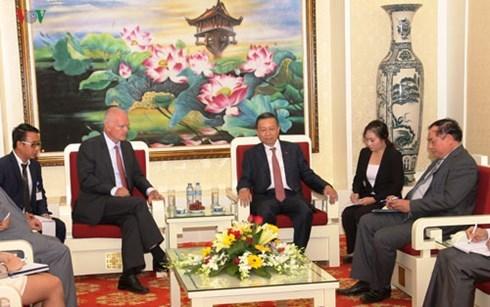 越南公安部希望加强与欧盟和美国有关机关的合作 hinh anh 1