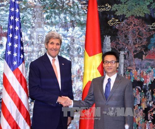 越南政府副总理武德儋会见美国国务卿约翰·克里 hinh anh 1