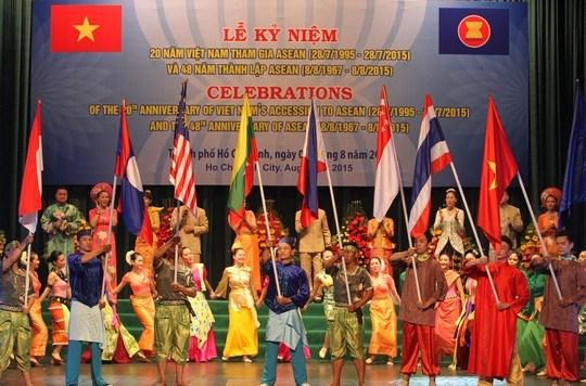 越南加入东盟20周年纪念典礼在胡志明市举行 hinh anh 1
